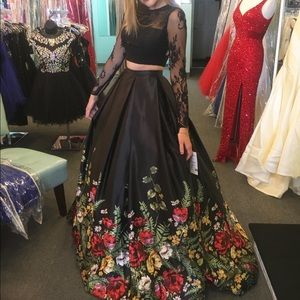 Sherri Hill Dresses - sherri hill black floral 2 piece prom dress